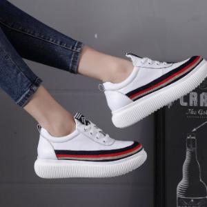 卡美多鞋業白色