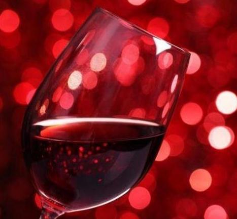 歐圖斯葡萄酒一杯