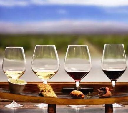 歐圖斯葡萄酒4杯