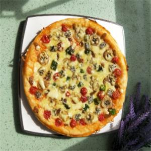 開心披薩美味