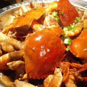 阿陶肉蟹煲很香