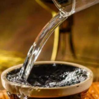 晶质玉液酒绵柔