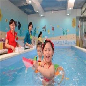 泡泡龍兒童游泳館-開心