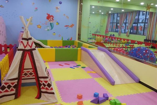 小手掌兒童智力開發樂園滑梯