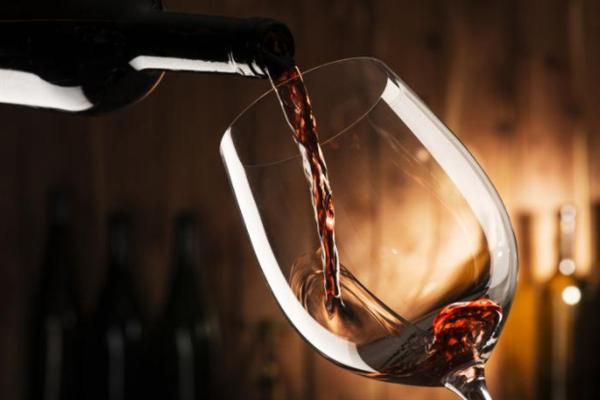 嘉龍河畔酒業葡萄酒