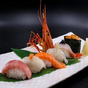 撷日本料理鱼片新鲜