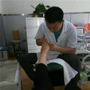 智公修脚过程