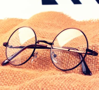 布雷斯顿眼镜款式