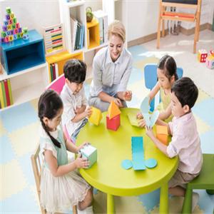 新时代双语幼儿园开心