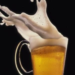 品客啤酒泡沫丰富