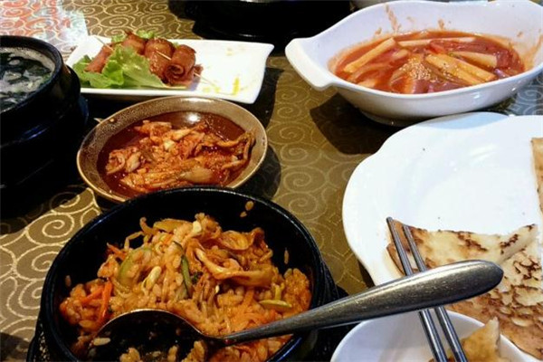 济州岛韩式韩国料理丰盛