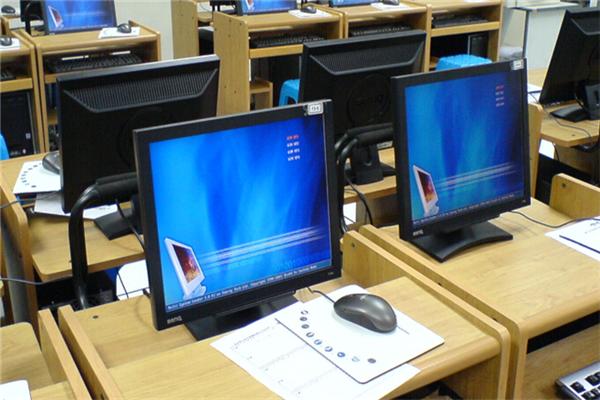 富海计算机学校课堂