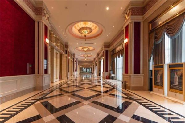 林道假日酒店走廊