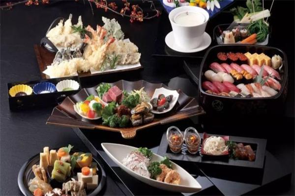 YesMORE创意料理寿司