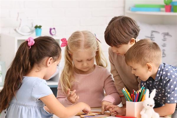 新时代双语幼儿园笑容