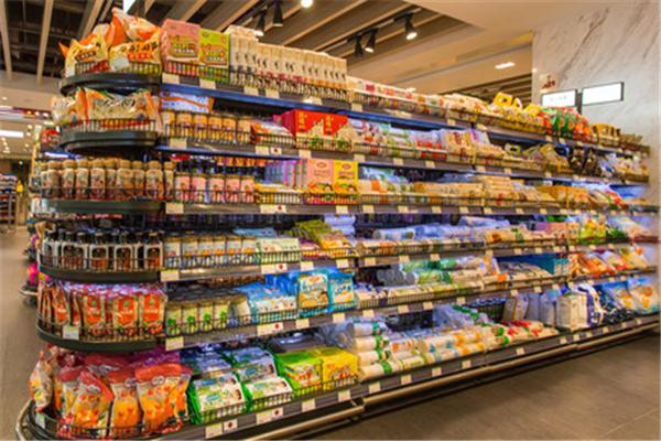 临期食品超市货架