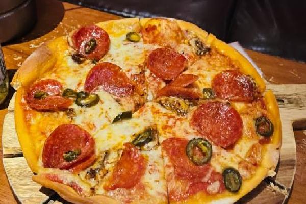 HIBHUB公社火腿披萨